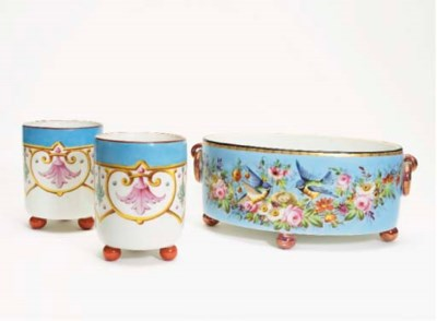 GARNITURE EN PORCELAINE POLYCH