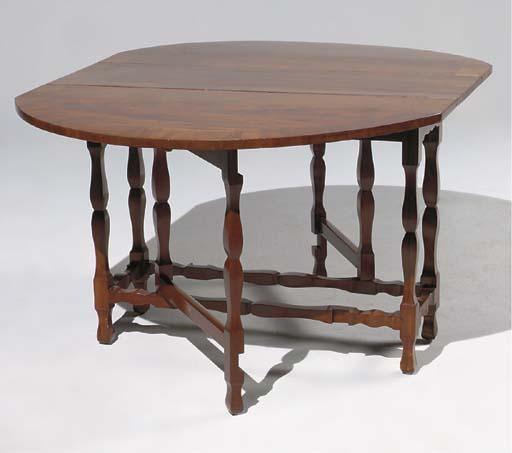 TABLE DITE 'GATE LEG'