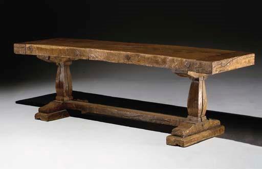 TABLE D'EPOQUE RENAISSANCE