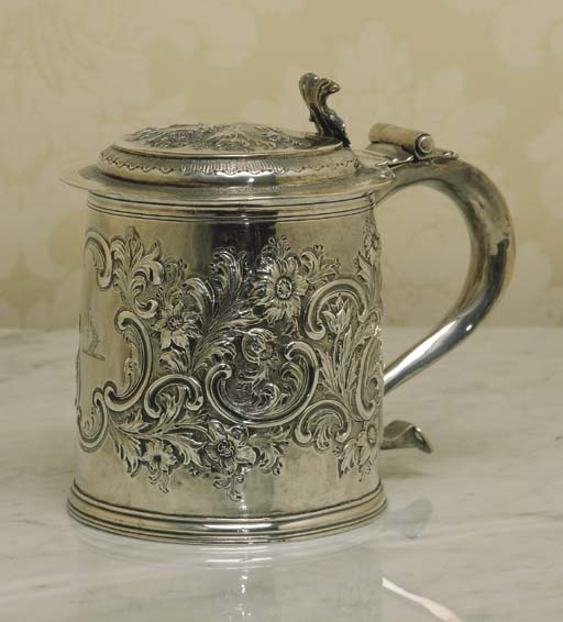 AN ANTIQUE STERLING SILVER TAN