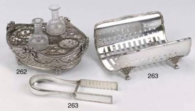 A Dutch silver breadbasket use