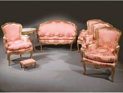 A SUITE OF GILTWOOD SEAT FURNI