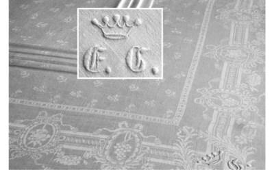 Nine damask linen napkins