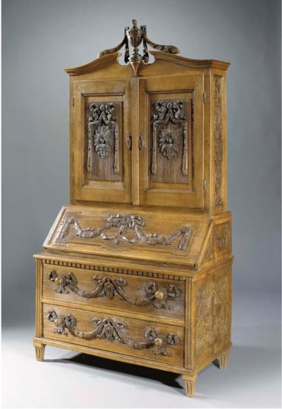 A GERMAN OAK WRITING BUREAU