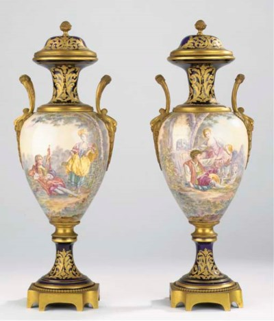 A pair of Sèvres-style porcela
