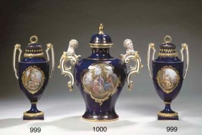 A pair of Meissen porcelain da