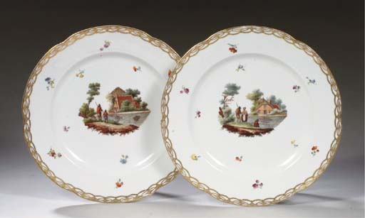 A pair of Amstel plates