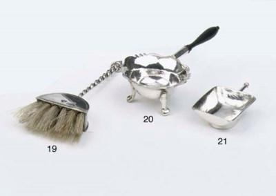 A Dutch silver miniature cole-