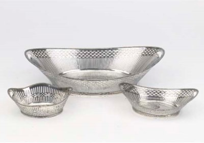 A Dutch silver breadbasket and