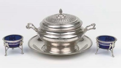 A silver tureen with cover on