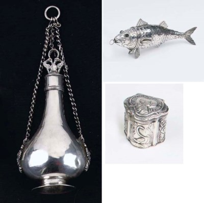 A Dutch silver perfume flask,