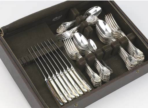 (79) French silver-plated flat