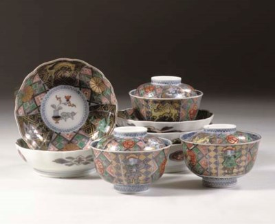 An Imari set of three Namban b