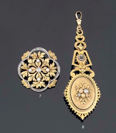 AN ANTIQUE CHATELAINE ON A CHA