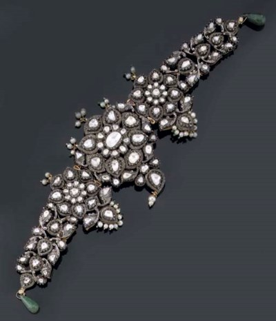 AN ANTIQUE INDIAN DIAMOND AND