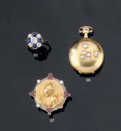 AN ART NOUVEAU GEM SET BROOCH