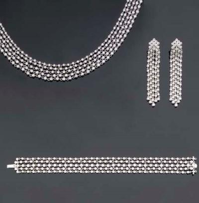 A FINE DIAMOND NECKLACE, BRACE