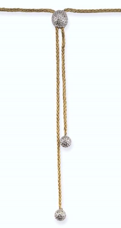A GOLD AND DIAMOND NECKLACE