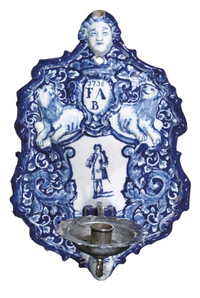 A Dutch Delft blue and white d