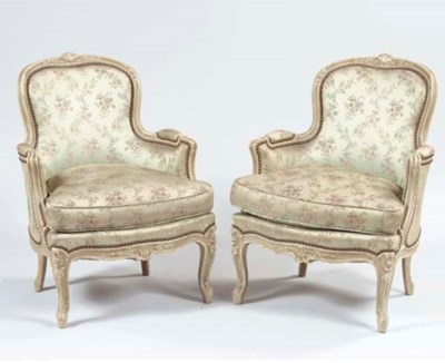 A PAIR OF GREY PAINTED BERGERE