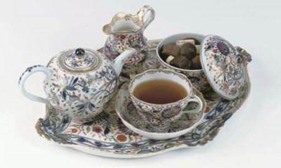 A Meissen porcelain 'Zwiebelmu