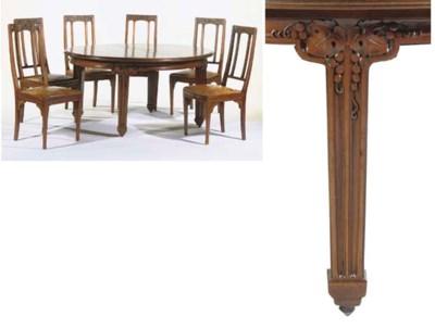 (7)  A mahogany diningroom sui