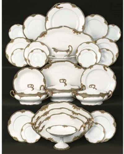 (118) A Limoges porcelain dinn