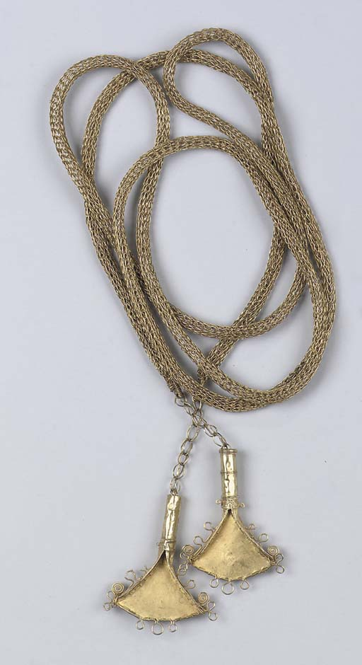 A Sumba gold ceremonial neckla