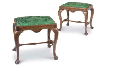 A PAIR OF GEORGE I WALNUT STOO