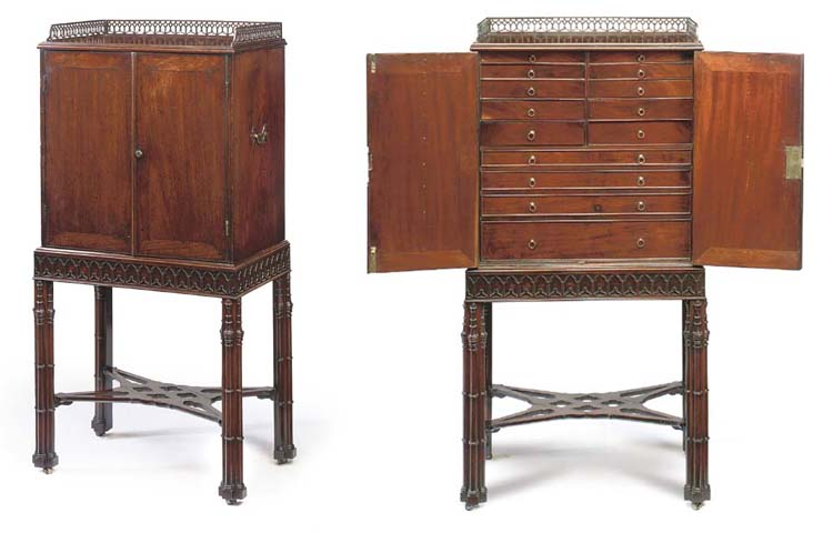 A GEORGE II MAHOGANY COLLECTOR