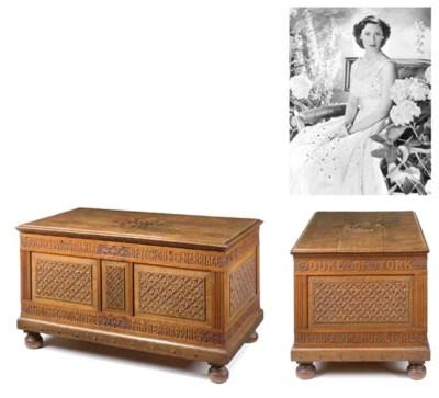 Queen Mary's linen chest An Ir