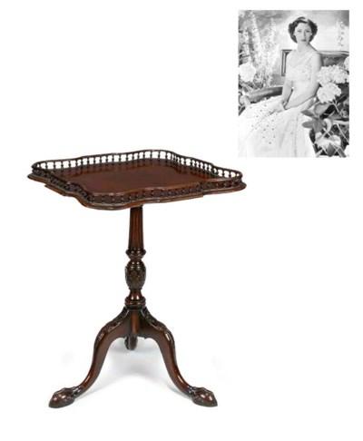 A 'Chippendale' mahogany tray-