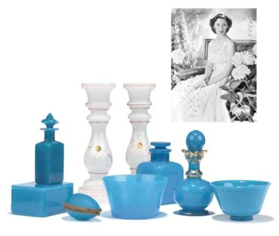A COLLECTION OF BLUE-OPALINE G