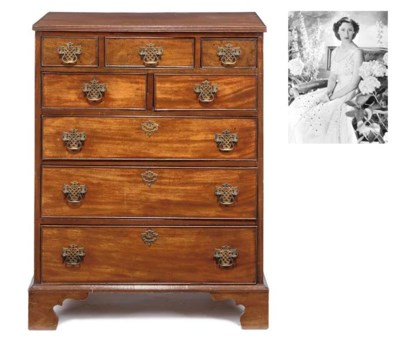 A mahogany chest of drawers