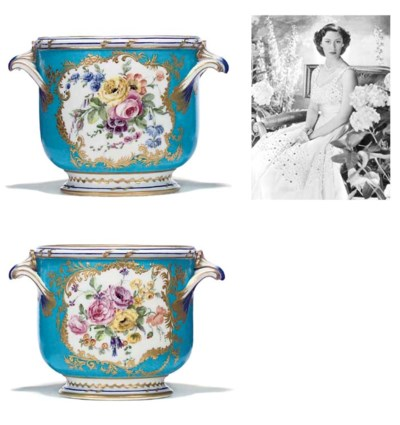 A PAIR OF SEVRES TURQUOISE-GRO