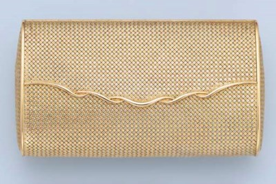 AN EVENING CLUTCH BAG, WITH PO