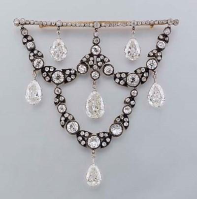 A SUPERB ANTIQUE DIAMOND CORSA