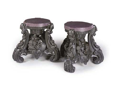 A PAIR OF FRENCH BRONZE STANDS