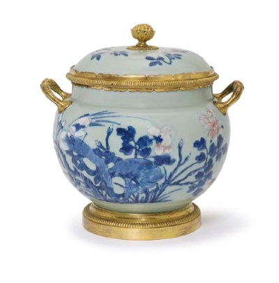A CHINESE ORMOLU-MOUNTED UNDER