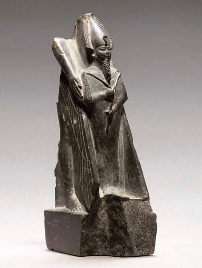 AN EGYPTIAN DARK STEATITE FRAG