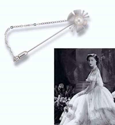 A CULTURED PEARL JABOT PIN