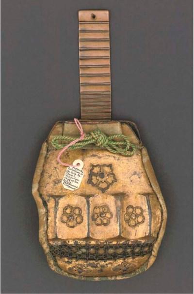 A Japanese rare tobacco pouch,