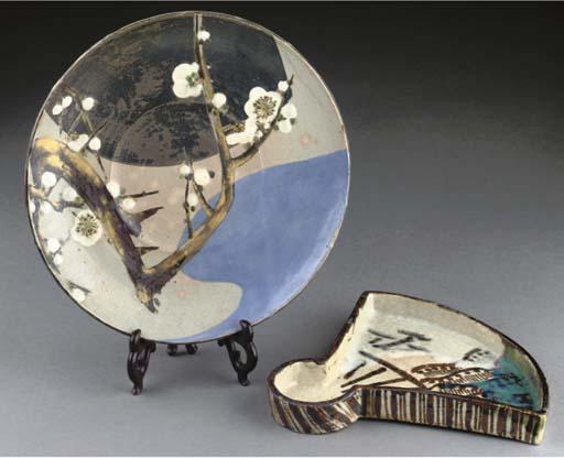 A Japanese circular enameled s