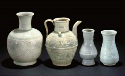 Three Yingqing pear-shaped vas