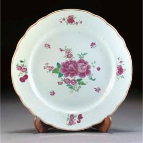A famille rose plate, Qianlong
