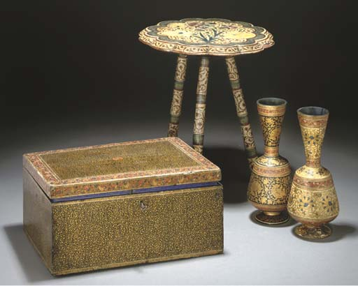 A GROUP OF LACQUER ITEMS KASHM