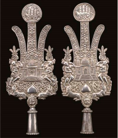 A PAIR OF SILVER AND PARCEL GI