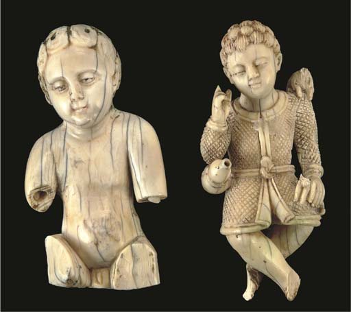 AN IVORY FIGURE OF CHRIST THE
