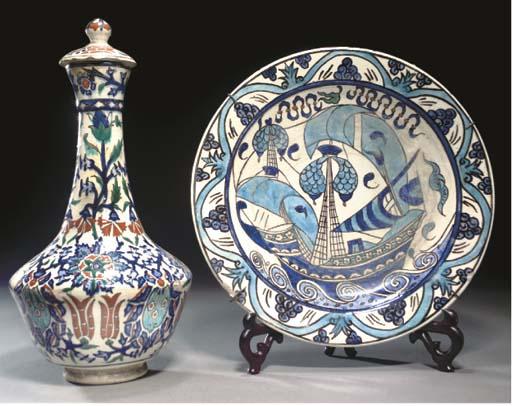 An Ottoman Kuthaya bottle vase