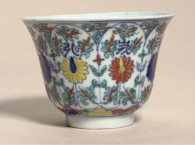 A doucai cup, 19th century